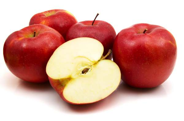 apple-for-yellow-teeth