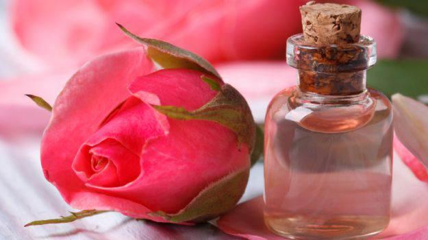 - health benefites of rose - सीने(छाती) और पीठ के अनचाहे बालों को हटाने के घरेलू उपाय