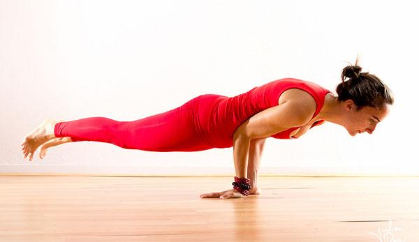 - mayurasana - इस योगासन से जिंदगी में नहीं होगी डायबिटीज और कब्ज की समस्या