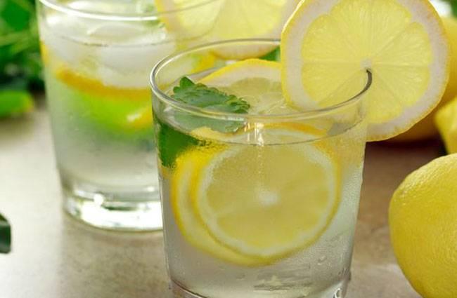 नींबू के फायदे - lemon water ke fayde - नींबू के फायदे